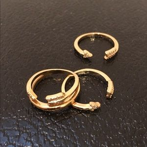 Henri Bendel 3 ring set.